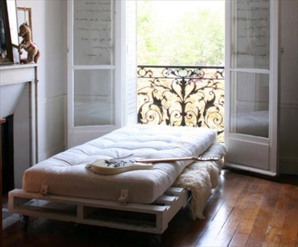 Endless Creativity And Chic Pallet Bed Ideas