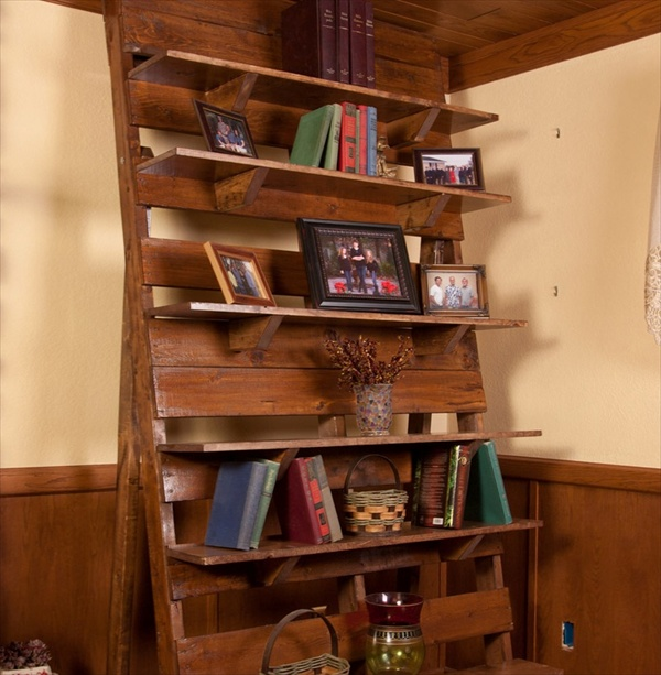 Pallet Bookcase A Perfect Place For All Reading Material