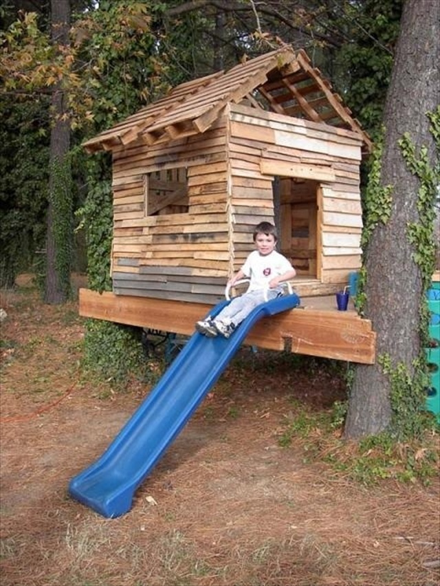 Finding attractiveness in pallet yard furniture pallet for Pallet tree fort