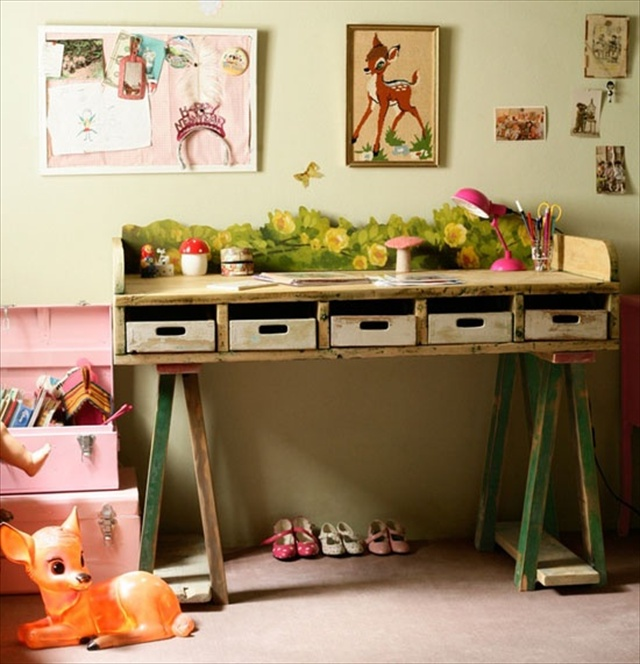 Useful Pallet Desk from Recycled Pallets | Pallet Furniture Plans