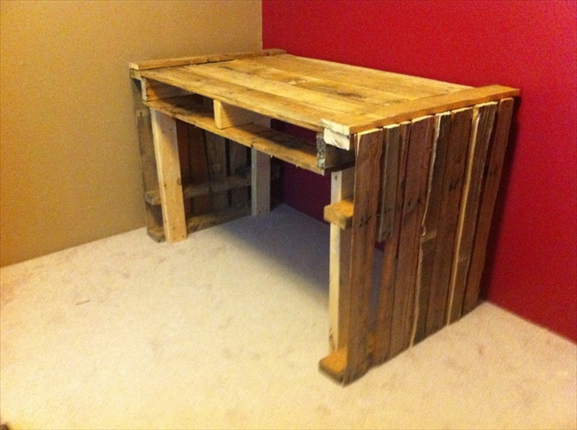 diy desk out of pallets 2