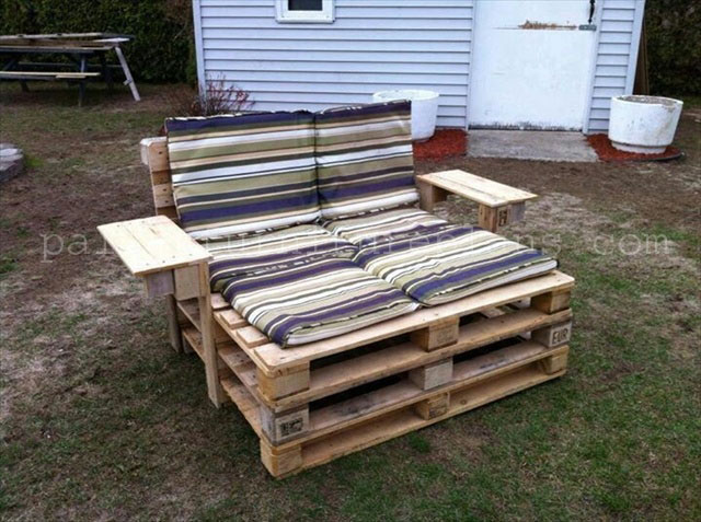 diy pallet chair collection pallet furniture plans. Black Bedroom Furniture Sets. Home Design Ideas