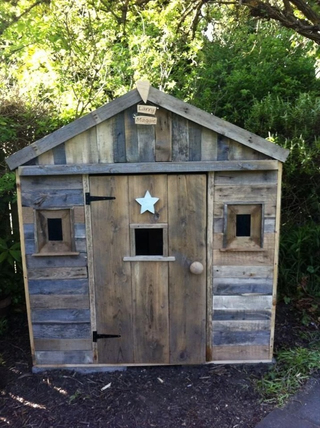 Pallet Playhouse For Kids From Reclaimed Wood Pallet