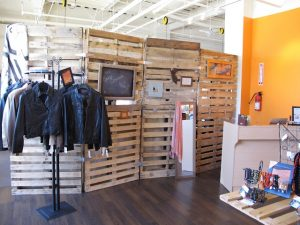 Who else wants to know about Pallet room divider?