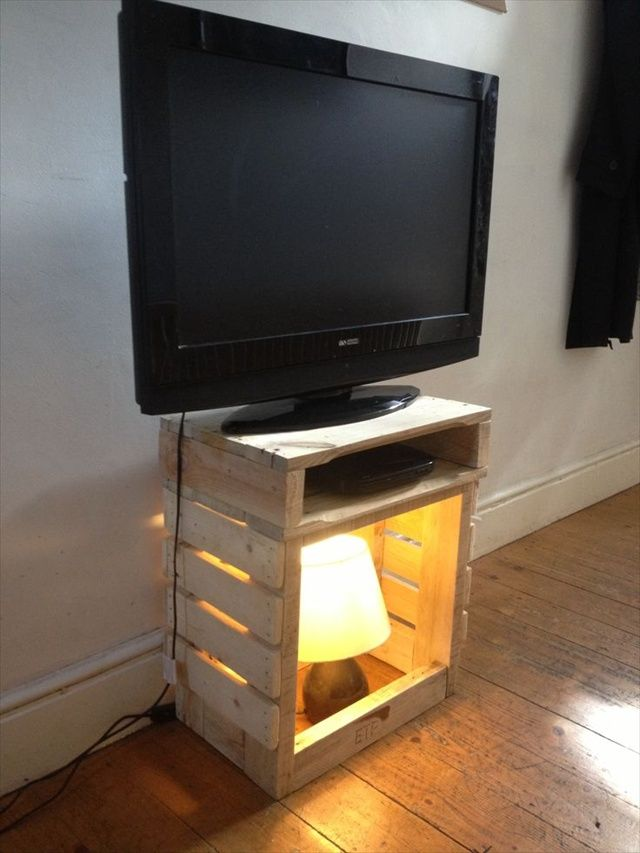 Pallet TV Stand A Delight To Watch Pallet Furniture Plans