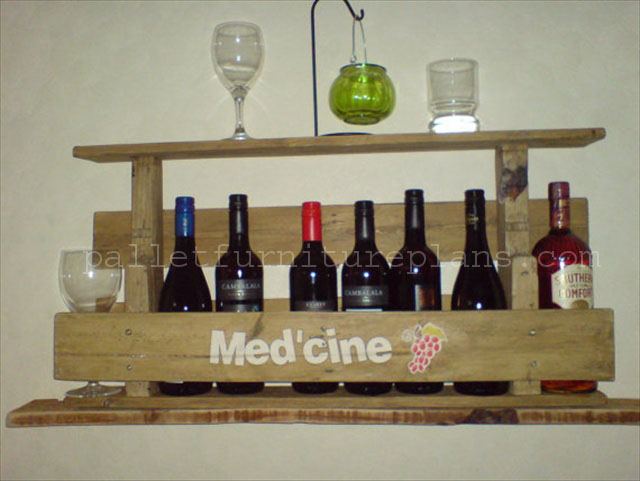 Rustic Repurposed Pallet Wine Rack