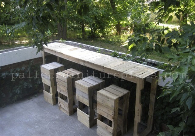 Outdoor Bar Furniture Made From Pallets