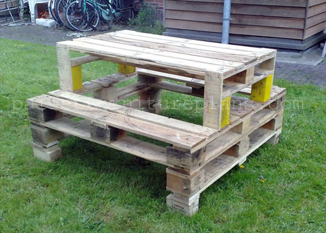 DIY Outdoor Table With Cooler further Pallet Bed Frame With Storage ...