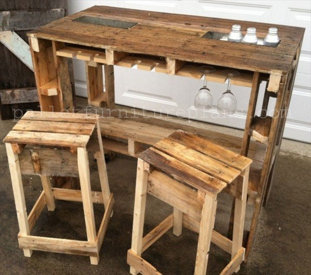 Enjoy with 25 pallet wood projects pallet furniture plans for Pallet furniture designs