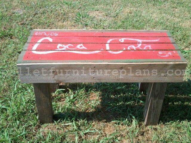 DIY Outdoor Pallet Bench