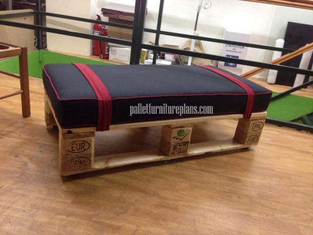 pallet sitting bench