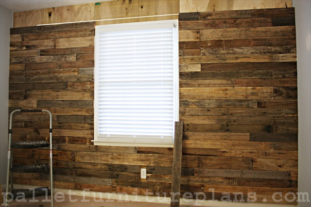 A Great Idea Of Pallet Wood Wall Pallet Furniture Plans
