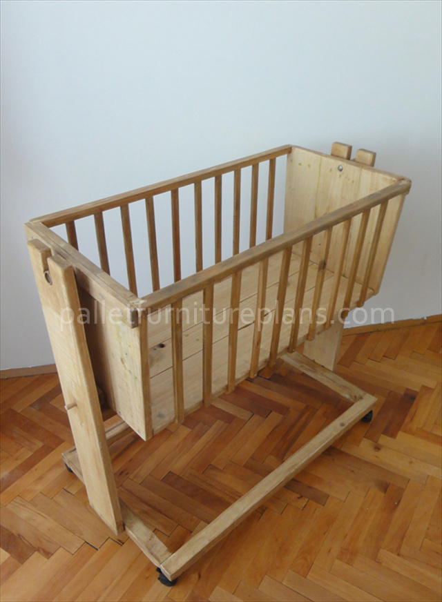 Wooden Pallet Cradle for Kids | Pallet Furniture Plans