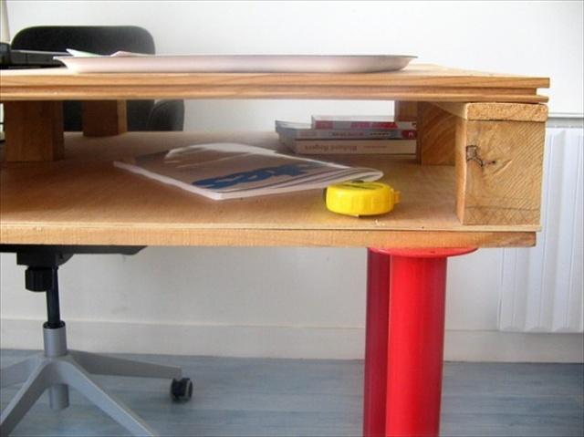 DIY Pallet Desk for Multipurpose Use | Pallet Furniture Plans