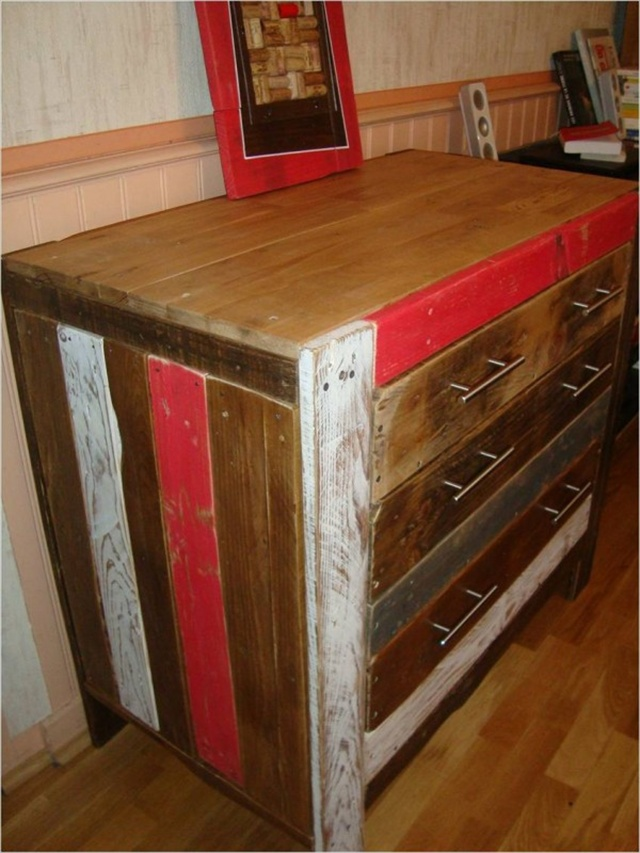 Interesting diy wooden furniture pallet furniture plans for Pallet furniture designs