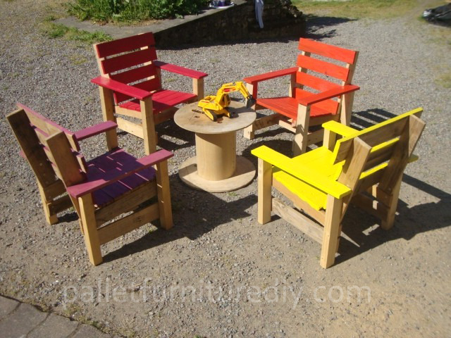 Pallet Armchair For Kids Pallet Furniture Plans
