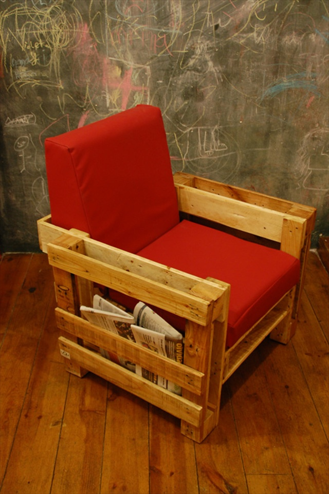 Wonderful pallets living furniture pallet furniture plans for Pallet furniture projects