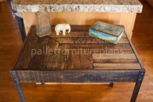 Pallet Desk with Metallic Legs