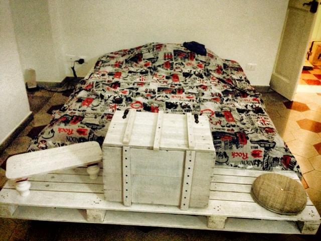 pallet bed and storage box