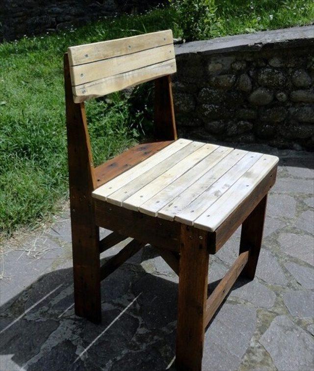 Build a Wood Pallet Chair