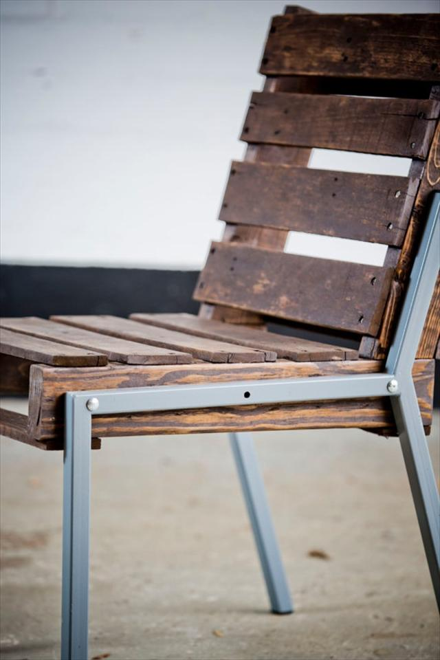 Pallet Chair with metal frame
