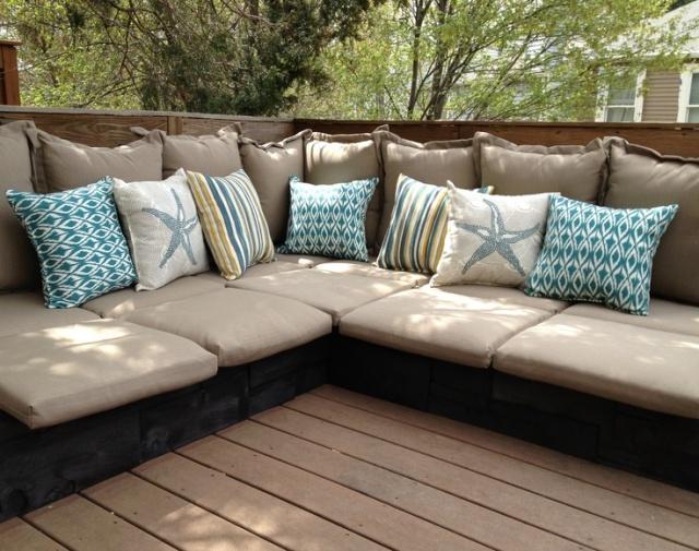 Pallet deck sofa