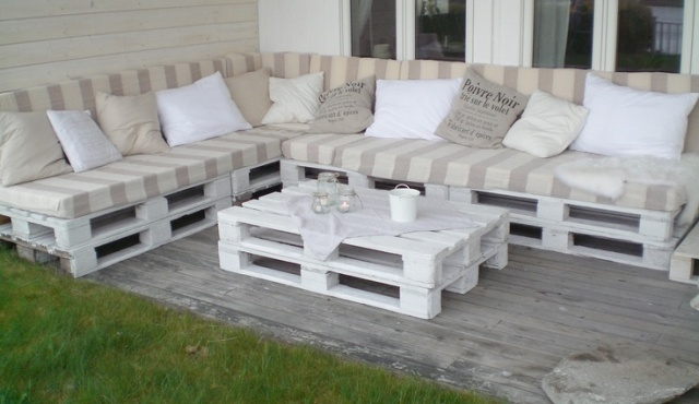 Build Outdoor Furniture Pallets