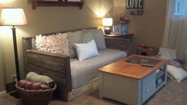 Small Pallet Couch for living room