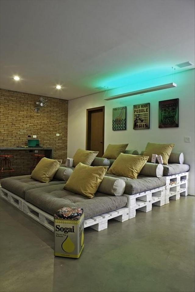 pallet cinema seat