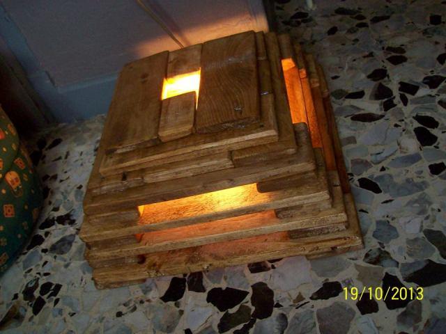 DIY Pallet Lamp
