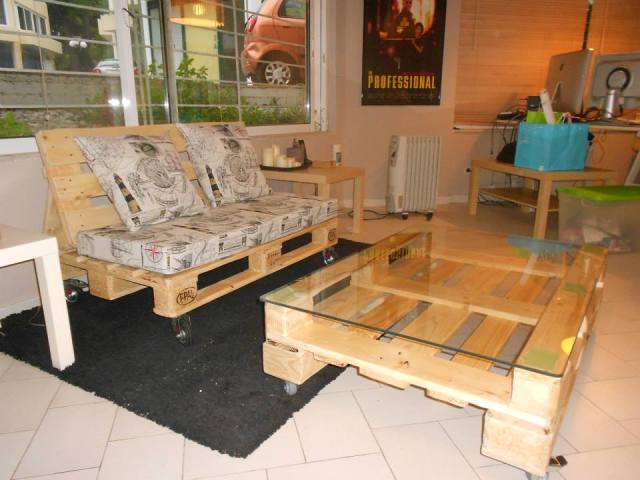 DIY Pallet Living Room Sofa 640 x 480