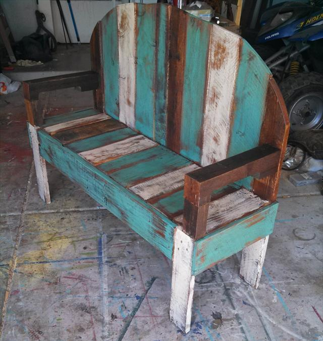 Submitted by upCycledreCreations ! You can also purchase this pallet ...