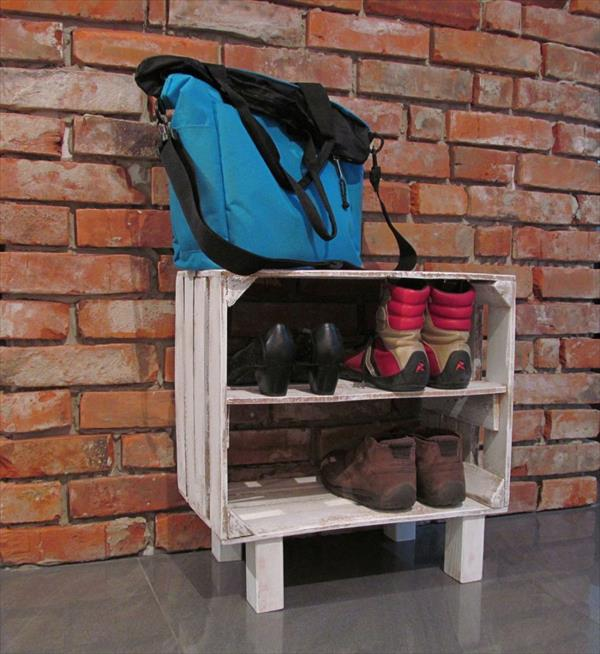 DIY Pallet Storage Racks
