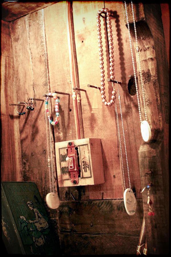pallet jewelry rack