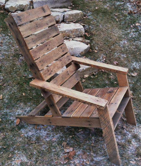 Adirondack Chair Out of Pallets