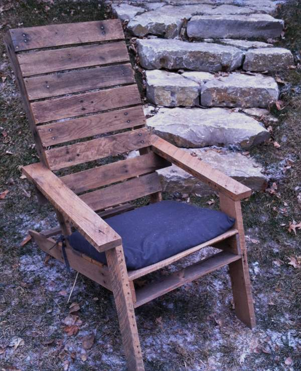 Oak Pallet Adirondack chair