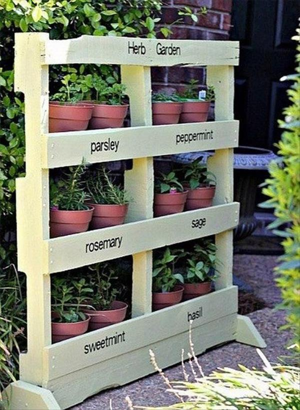 Pallet garden landscaping with pallets pallet for Vertical pallet garden