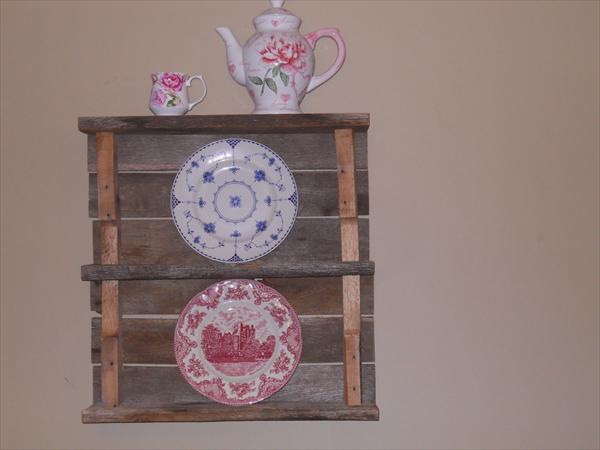 Reclaimed Pallet Plate Shelf