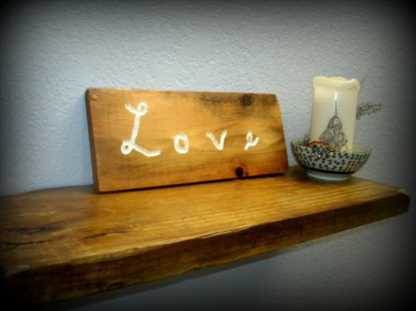 Pallet Wood Love Sign