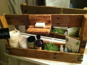 Pallet Soap and Toiletry Caddy