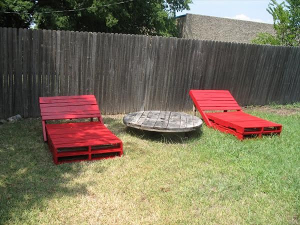 upcycled lounger with pallet wood