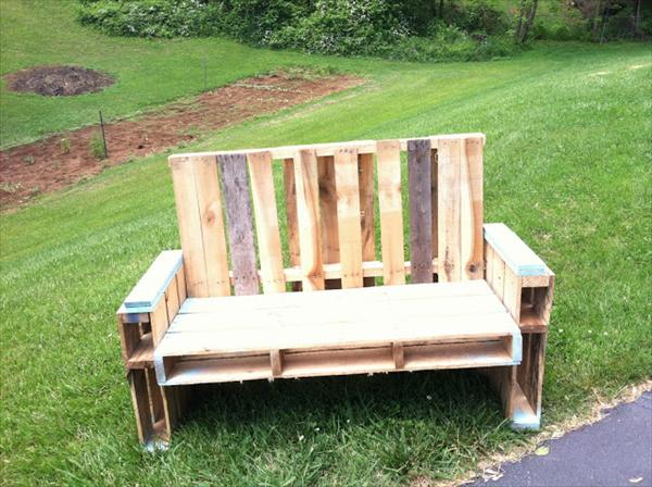 ultimate chair out of pallet