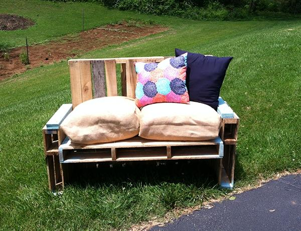 recycled pallet sofa chair