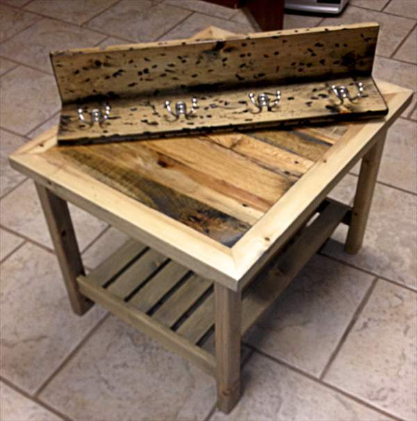 diy pallet table and coat rack