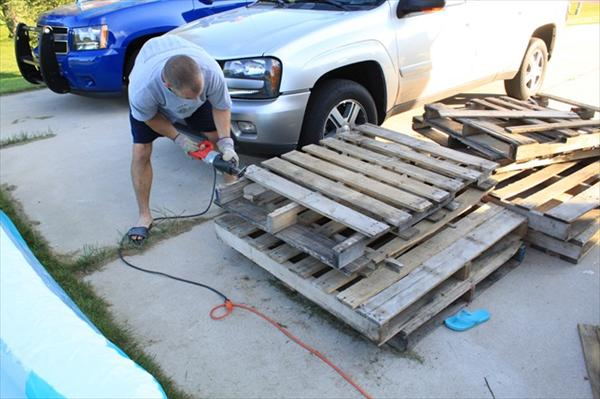 diy pallet wood wall