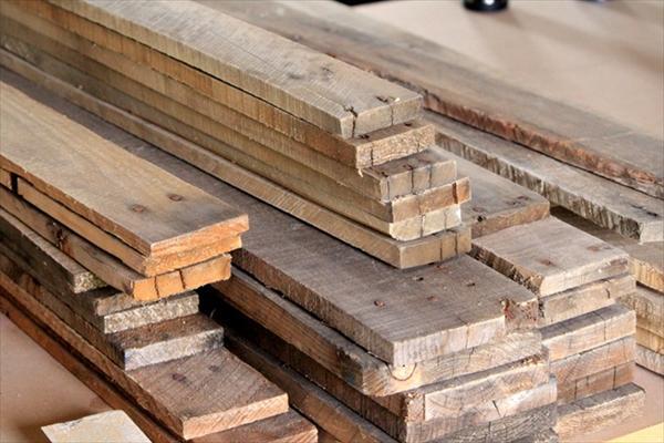 diy pallet wood wall