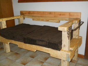 diy repurposed pallet bench