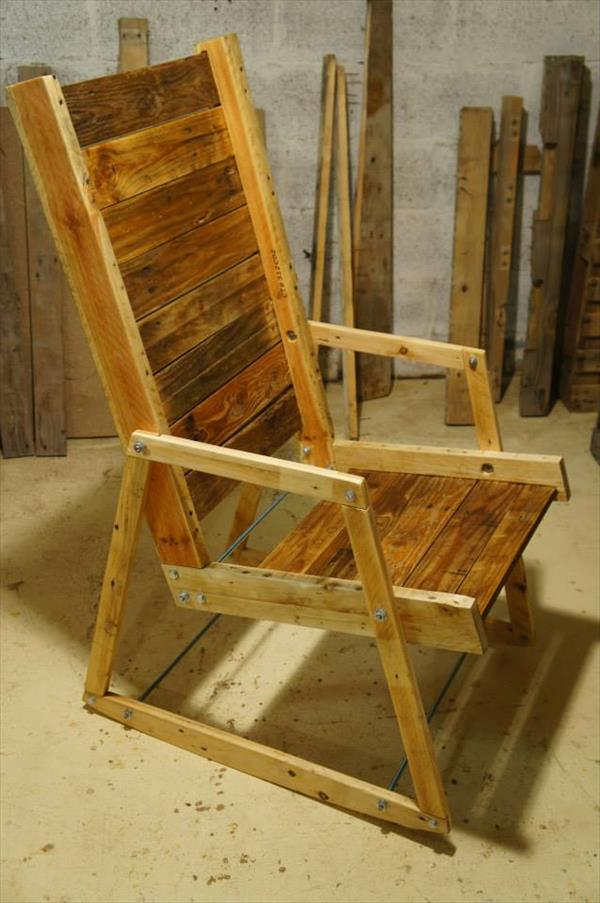 chair out of pallet