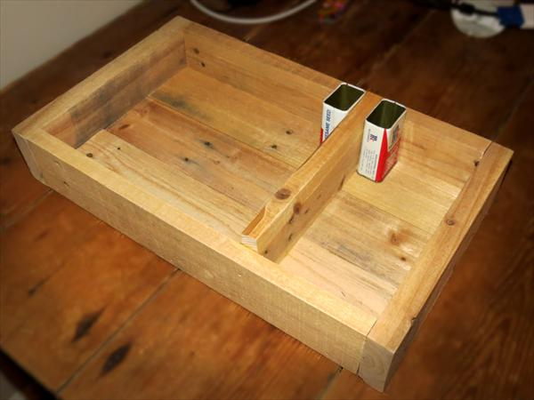 reclaimed pallet serving crate