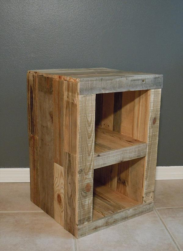 Diy pallet nightstand and bed pallet furniture plans - Table de nuit palette ...